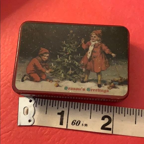 Tin box 📦 Christmas trinket decoration vintage
